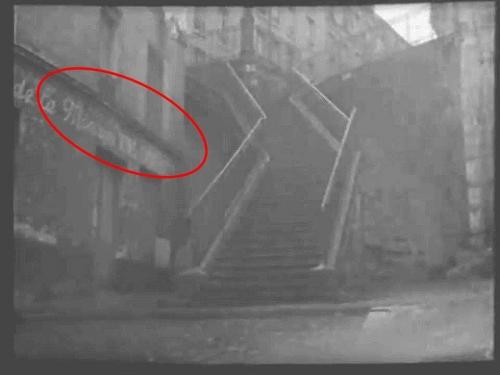 Café la Montagne et escalier.jpg