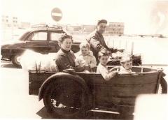 Famille Idoux en Side-car.jpg